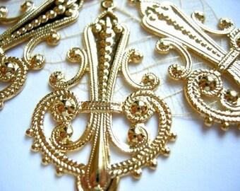 Vintage Shiny Gold Plated on Raw Brass Filigree Chandeleier Pendants (4X) (V255)