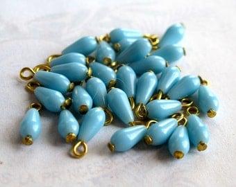 LOW Stock - Vintage Japanese Sky Blue Plastic Teardrop Bead Charms (16X) (B578)