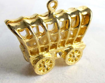 Huge Vintage Gold Plated Wagon with Pearls Pendant (1X) (V430)