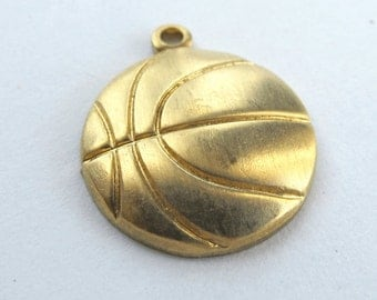 Brass Basket Ball Charms (8X) (M791)