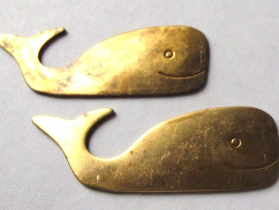 Raw Brass Whale Pendants (2X) (M621)