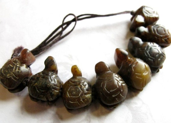 LAST Set - Hand Carved Carnelian Turtle Beads On A String (8X) (B634)