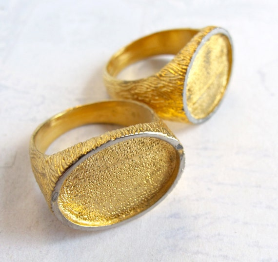 Vintage Gold Plated Textured Cabochon Ring Base Findings (2X) (J500)