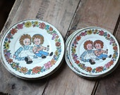 Vintage Raggedy Ann and Andy Tin Kids Play Plates