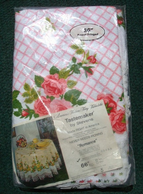 Round Tablecloth Vintage Pink Roses and Lattice Terrycloth  Unopened 60's 70's