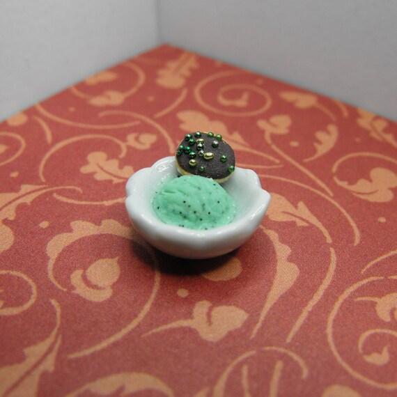 Mint Chocolate Chip Ice Cream--Miniature version 2