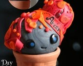 Personalised Custom Comforting Light Art Sculpture Cutie Pot Head with L.E.Ds and Polymer Clay