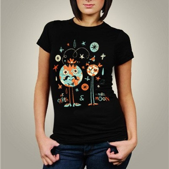 Mr. Earth and Mrs. Moon (Women T-Shirt)