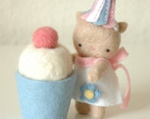 Needled Felted Kitty with Cupcake