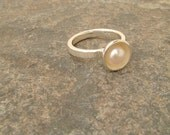 White silver pearl ring