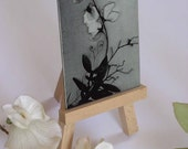 ACEO Metal art card, black and white photograph of sweet pea with display easel