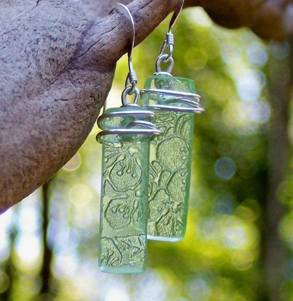 Green Depression Glass Earrings/Recycled Jewelry/Antique/Gifts for Her/Bridesmaid Gift/Repurposed/Upcycled/eco friendly jewelry/mom gift
