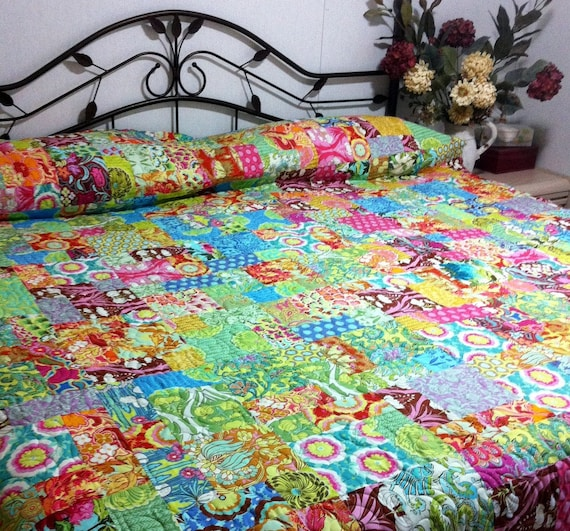 """Hug me,  squeeze me,  love me queen bed Quilt in Soul Blossom by Amy Butler  90"""" x 99"""""""