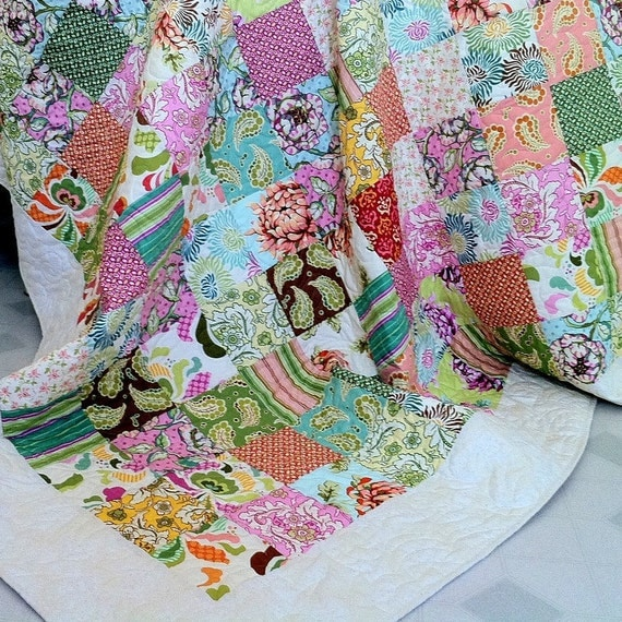 """Twin Double Bed Quilt  with Fresh Cut by Heather Bailey  - Ready to Ship 77"""" x 86"""""""