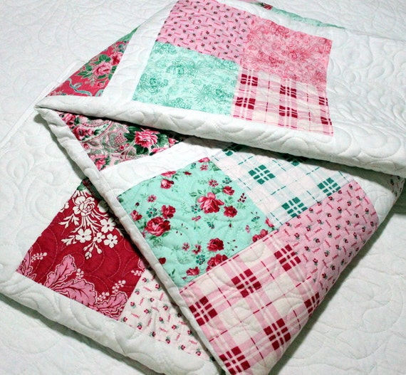 Twin Bed Quilt VERANDA in Ribbons and Roses
