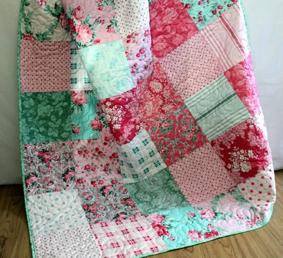 VERANDA Big Block Lap Quilt in Pink and Green