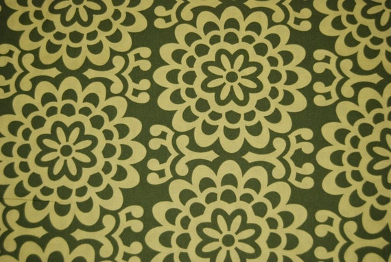 OOP - 1 Fat Quarter of Amy Butler Wall Flower in Green