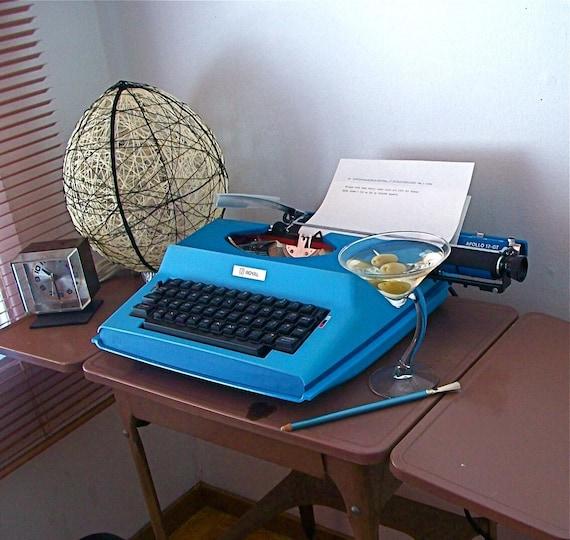 1970s Royal Apollo 12-GT Typewriter
