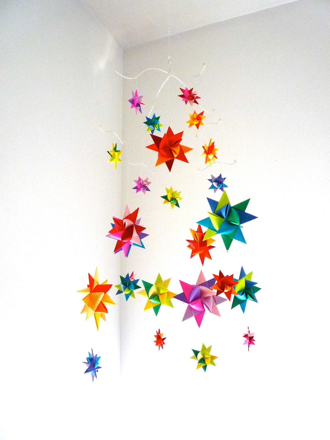 modern baby mobile hanging origami stars by starcraftstars. Black Bedroom Furniture Sets. Home Design Ideas