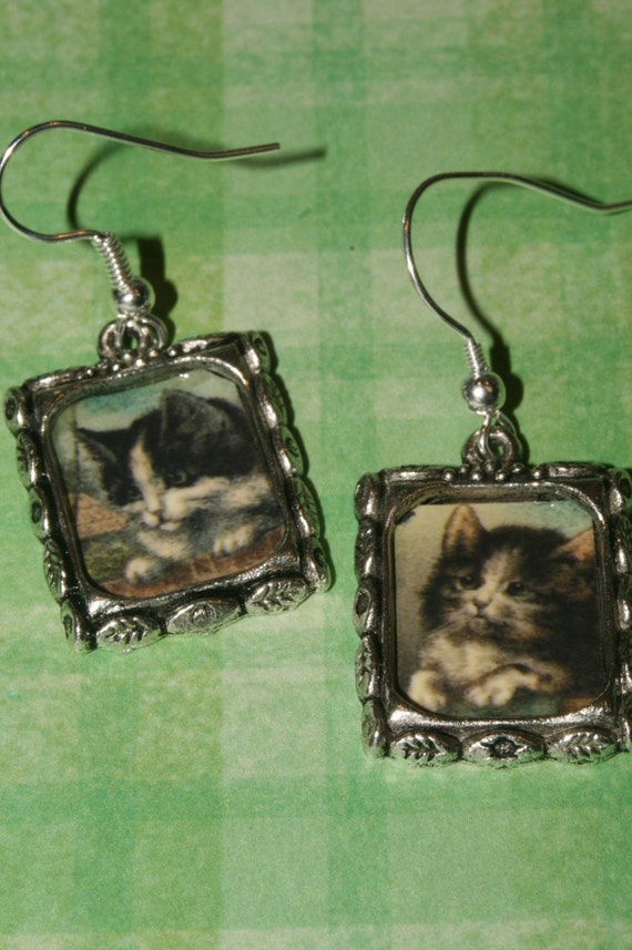 VINTAGE KITTENS Altered Art Charm EARRINGS Dangle by Shadesongs Free Shipping