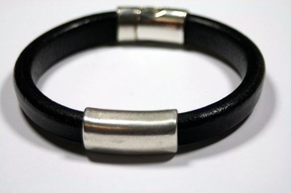 SImple Sleek Sexy Modern Unisex Thick Leather Bracelet Superior Mens Ladies Regaliz Silver Black