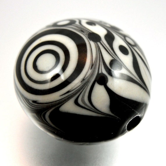 Mod Pattern Black and White Porcelain Art Bead Focal