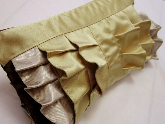 Golden ruffle wristlet (Large)