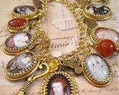 Queen Elizabeth I Charm Bracelet in Golden