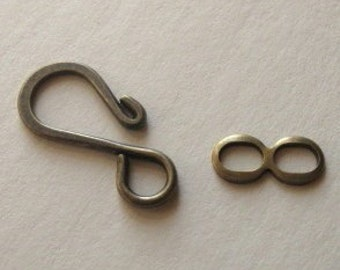 10 Antiqued brass hook and loop clasps 27mm