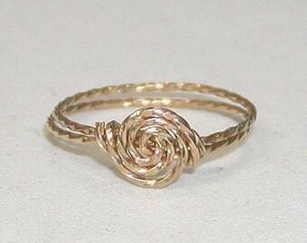 SALE Delicate Rosette Swirl Gold Wire Ring, sz 9