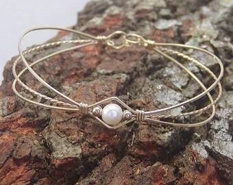 Sweet & Feminine Freshwater Pearl Gold Wire Bracelet