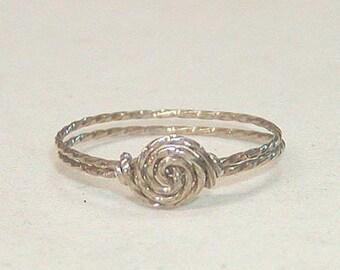 SALE Delicate Swirled Rosette Silver Wire Ring, sz 8