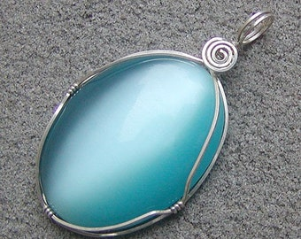 Mesmerizing Aqua Blue Silver Pendant Large Fiber Optics Cats Eye