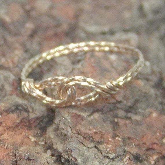 Interlocked Swirls Gold Twist Wire Thumb Ring, sz 8