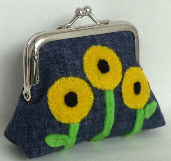 Coin Purse Wallet Change Purse Metal Framed Small Clutch - Yellow Sunflowers Applique