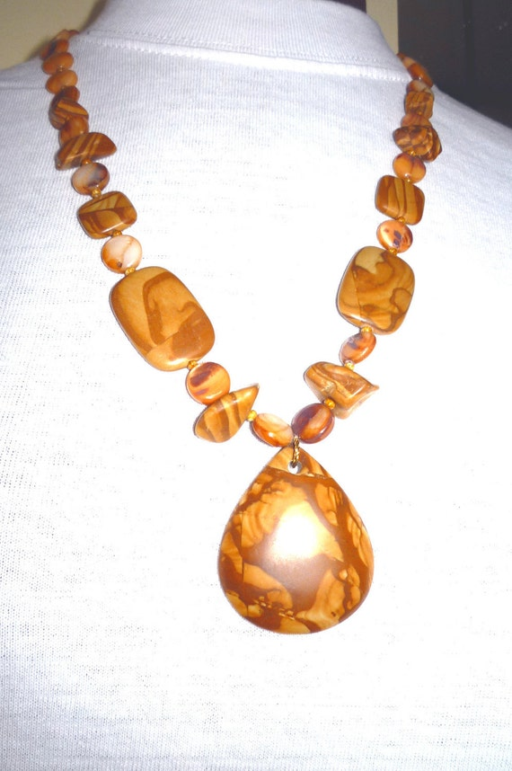 Bamboo Leaf Jasper and  Shell  Necklace