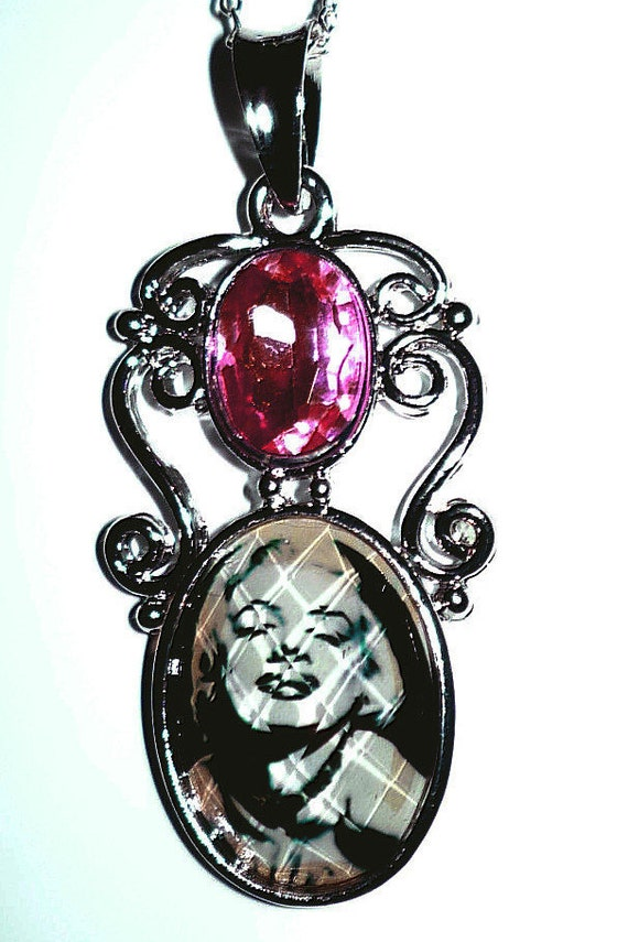 Marilyn Monroe Necklace  925  with Faux Pearl Clasp   READY TO SHIP