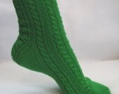 PDF Sock Pattern, Emerald Isles Sock Pattern, cable sock design with patterned heel