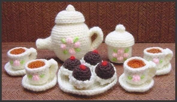 Amigurumi Crochet Teapot Pattern : Amigurumi Pattern Crochet Mini Tea Set and Cupcakes DIY