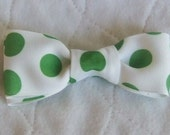 Boys Grosgrain Ribbon Tuxedo Style Clip on Bowtie white Apple Green coindots polkadots
