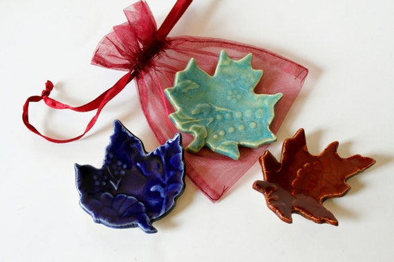 Ring Catcher Leaves // Set of 3 Leaves for Decorating or for Ring Catchers //  Green, Cobalt and Red