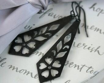 Flower Primrose cut out earrings Arte Metal