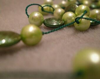 Dark green freshwater pearls, exposed silk, light green freshwater pearls necklace N34