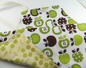 Children's Apron, Kids Apron - Reversible Full Apron for Kids - Green Apple