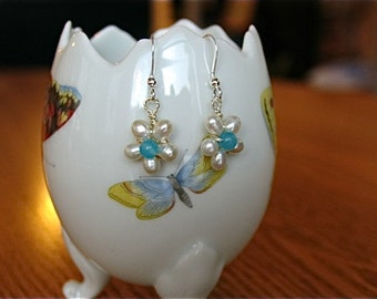 Flower pearl Earrings in Sterling silver