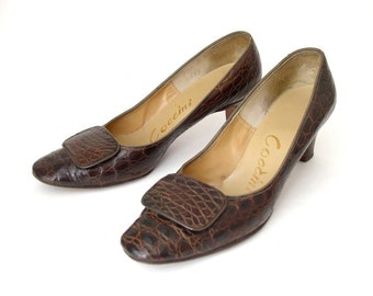 Vintage 60s Genuine Alligator Pumps - Size 6 Narrow - Chocolate Brown Women's High Heels Reptile Shoes