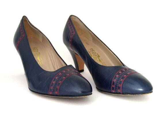 Size 8 Navy and Red Ferragamo Pumps