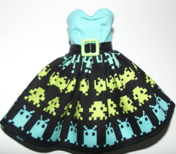 Space Invaders strapless dress for Blythe and Pullip - made to order