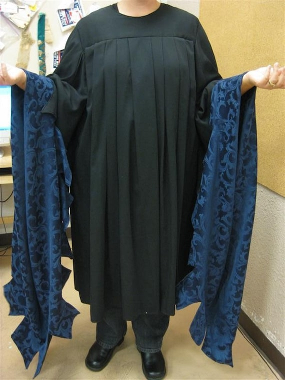 Black Robe With Long Wizard Sleeves