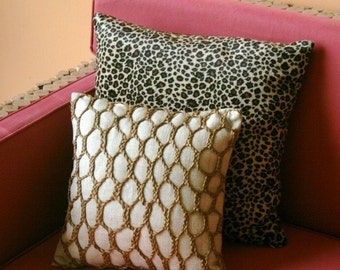 Woven jute cushion cover